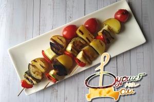 Овощные шашлычки ( баклажан, кабачок, картофель, перец болгарский, черри)